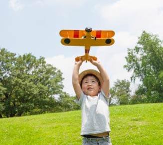 https://mlfrq3z7xi2y.i.optimole.com/w:auto/h:auto/q:auto/https://thepreserveatchino.com/wp/../shared/2019/06/kid-playing-with-plane-FPO.jpg